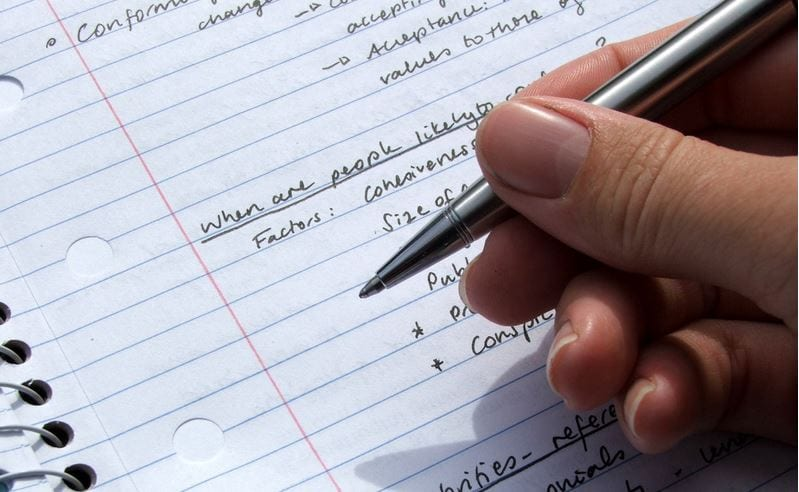 disadvantages online learning essay